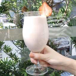 大侑-Vitamix-調理機-草莓香蕉果昔-聖誕節-粉紅色